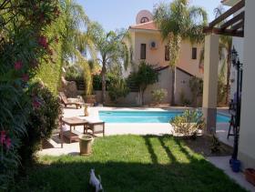 Image No.11-Maison / Villa de 4 chambres à vendre à Oroklini