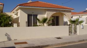 Xylophaghou, Villa