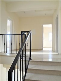 4-Bed-Staircase