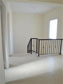 4-Bed-Upstairs-Hallway-