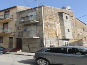 Image No.8-Maison de ville de 2 chambres à vendre à Cianciana