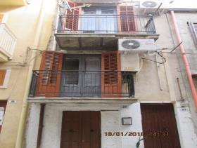 Image No.21-2 Bed Townhouse for sale
