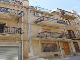 Image No.1-Maison de 3 chambres à vendre à Cianciana