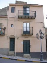 Cianciana, Townhouse