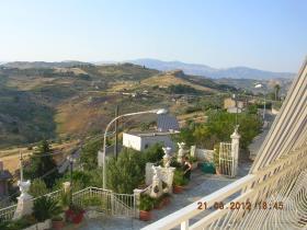 Image No.3-Villa de 4 chambres à vendre à Cianciana