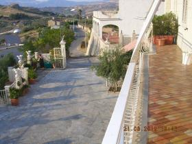 Image No.4-Villa de 4 chambres à vendre à Cianciana
