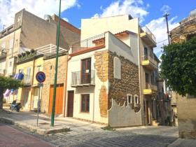 Image No.0-Maison de ville de 3 chambres à vendre à Cianciana