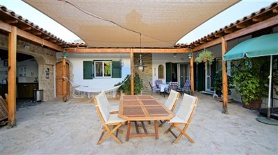 163535-bungalow-for-sale-in-mesa-choriofull