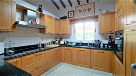 Image No.5-5 Bed Bungalow for sale