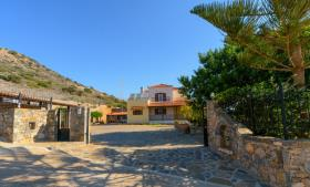 Image No.1-Villa / Détaché de 5 chambres à vendre à Agios Nikolaos