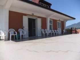 Image No.2-Maison / Villa de 9 chambres à vendre à Alife