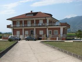 Image No.0-Maison / Villa de 9 chambres à vendre à Alife