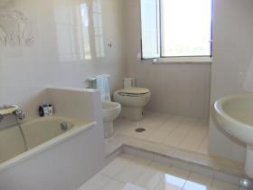 Image No.18-Maison / Villa de 9 chambres à vendre à Alife