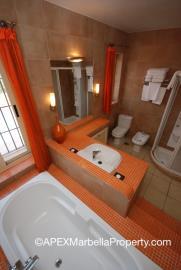 maroc1-Master-Bathroom-2-copy