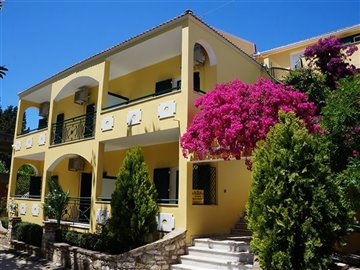 Photo 1 - Hotel 527 m² in Ionian islands