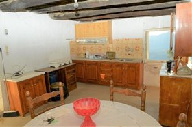 Image No.13-4 Bed Property for sale