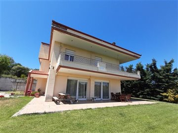 Photo 1 - Cottage 377 m² in Central Macedonia