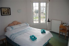 Image No.3-8 Bed Commercial for sale
