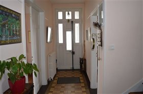 Image No.6-5 Bed Property for sale