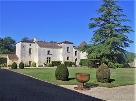 Image No.0-7 Bed Chateaux for sale