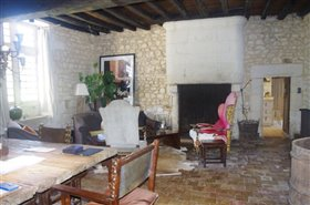Image No.6-7 Bed Chateaux for sale