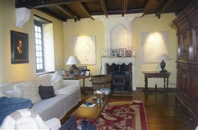 Image No.7-7 Bed Chateaux for sale
