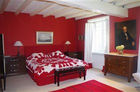 Image No.8-7 Bed Chateaux for sale