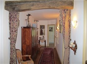 Image No.4-9 Bed Property for sale