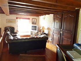 Image No.11-4 Bed Property for sale
