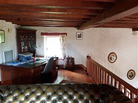 Image No.12-4 Bed Property for sale