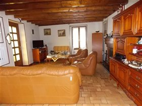 Image No.4-2 Bed House for sale