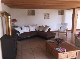 Image No.6-10 Bed Property for sale