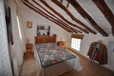 018-Bedroom-2