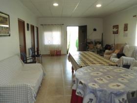 Image No.23-2 Bed Villa / Detached for sale