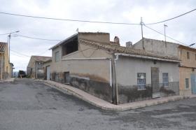 Pinoso, Village House