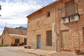 Image No.2-Maison de campagne de 5 chambres à vendre à Yecla