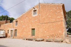 Image No.1-Maison de campagne de 5 chambres à vendre à Yecla