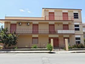 Oliveri, House
