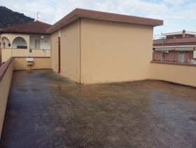 Image No.15-6 Bed House for sale
