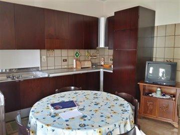 4-Kitchen-1