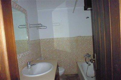 villagehousejimenadelafronteraspainbathroom-1