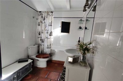 countryhousejimenadelafronteraspainbathroom