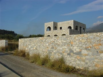 9-Trifonas villa & 4000m2 plot in front 163