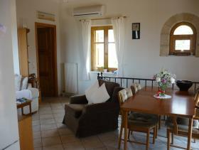 Image No.2-Maison de 3 chambres à vendre à Stoupa