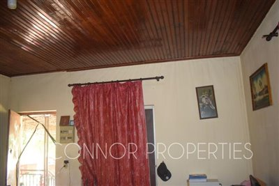 Delightful--2-bed-bungalow-set-in-6-800m2-of-land--3-of-25-