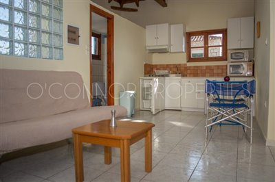 Delightful-3-double-bedroom-house-with-2-self-contained-apartments-and-swimming-pool--860---11-