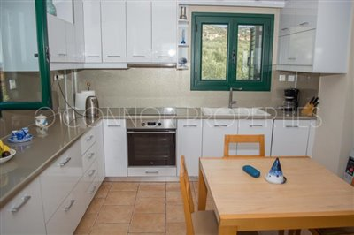 Delightful-3-double-bedroom-house-with-2-self-contained-apartments-and-swimming-pool--860---20-