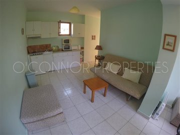 Delightful-3-double-bedroom-house-with-2-self-contained-apartments-and-swimming-pool--860---31-