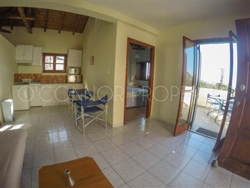 Delightful-3-double-bedroom-house-with-2-self-contained-apartments-and-swimming-pool--860---41-