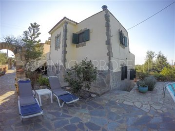 Delightful-3-double-bedroom-house-with-2-self-contained-apartments-and-swimming-pool--860---43-